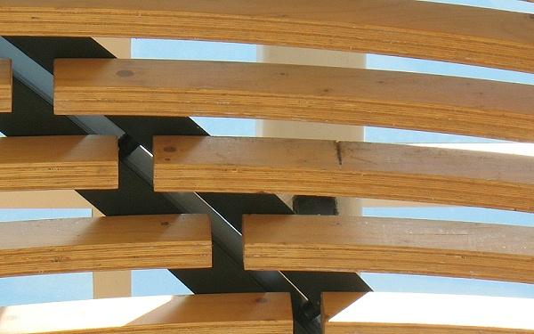 胶合木弯曲梁