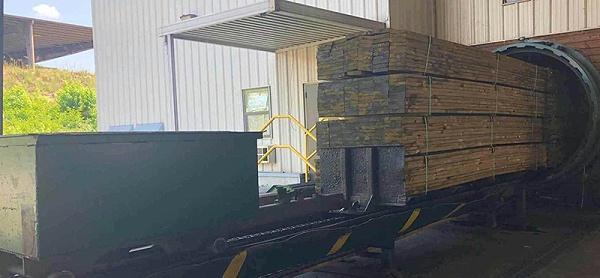防腐木生产场景