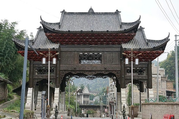 贵州镇远古城全木结构门楼案例
